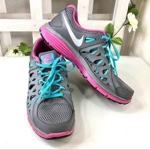 Nike Dual Fusion Run 2 Women's 11 grey pink